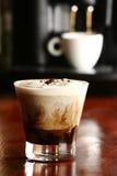 Питье кофе Стоковая Фотография