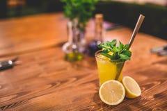 Стекло свежего лимонада стоковое фото