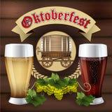 Стекло темного и светлого пива на предпосылке древесины иллюстрация штока