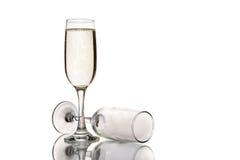 Стекло шампанского и пустого стекла шампанского Стоковые Изображения RF
