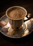 стекло espresso кофе cezve холодное как, котор служят малая турецкая вода Стоковое Изображение