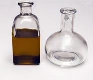Стеклянная бутылка с оливковым маслом Стоковые Изображения RF