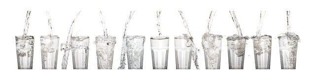 Стеклянная вода при упаденный beeing воды Стоковые Фото