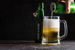 Стеклянная кружка светлого пива Стоковые Фото