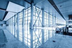 Стеклянная стена в офисном здании Стоковые Фото