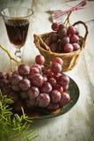 стеклянное вино виноградин Стоковые Изображения