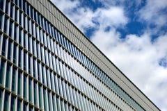 Стеклянное офисное здание Стоковые Фотографии RF