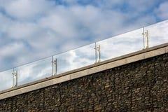 Стеклянные поручни на крыше стоковое изображение rf
