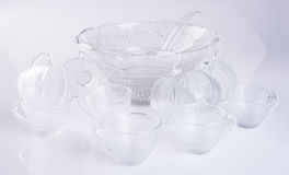 стеклянные чашка или комплект стеклянной чашки на предпосылке Стоковая Фотография