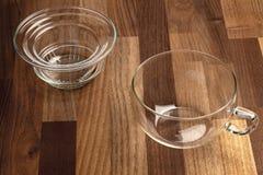 Стеклянные чашка и стрейнер чая Стоковые Фотографии RF