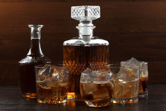 Стеклянный виски на темноте 8 Стоковое Фото