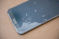 Стеклянный мобильный телефон экрана сломленн Стоковая Фотография RF
