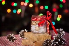 Стеклянный опарник с прогнозами рождества Стоковое фото RF