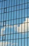 Стеклянный фасад современного офисного здания Стоковая Фотография
