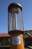 Стеклянный цилиндр античного газового насоса, Jackson Hole, Вайоминга Стоковые Фотографии RF