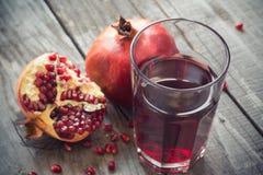 стеклянный pomegranate сока Стоковое Фото