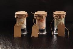 3 стеклянных опарника домодельных смачных погружений Стоковое Изображение RF