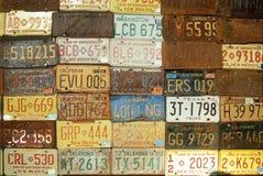 Стена американских номерных знаков Стоковые Изображения RF