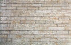Стена белых кирпичей камня adarce травертина Стоковая Фотография