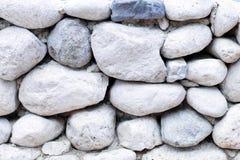 Стена больших и малых камней закрывает Стоковые Изображения RF