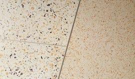 Стена гравия каменная на предпосылке Стоковое фото RF