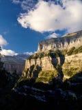 Стена долины Ordesa в свете захода солнца, национальном парке Ordesa y Monte Perdido, Пиренеи, Испании стоковые изображения