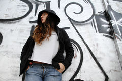стена девушки полагаясь Стоковое фото RF