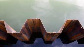 Стена запруды штабелевки листа, взгляд сверху Стоковое Изображение