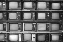 Стена картины телевидения кучи черно-белого ретро Стоковая Фотография RF