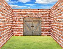 стена комнаты двери кирпича Стоковые Изображения RF