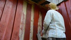 Стена краски человека сток-видео