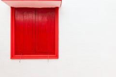Стена красного окна старая белая Стоковое Изображение RF