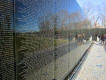 Стена мемориала война США против Демократической Республики Вьетнам Стоковая Фотография