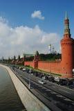Стена Москвы Кремля от обваловки стоковое фото rf