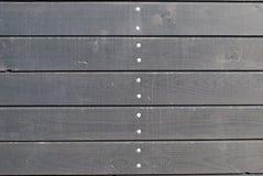 Стена от деревянных горизонтальных доск, естественная древесина, винт Стоковые Изображения RF