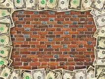 Стена от красного рамки кирпича и доллара Стоковое Фото