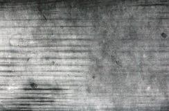 Стена при поцарапанные серое и белизна выдержала краска картины Стоковое Изображение