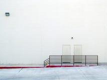 Стена пустого пакгауза внешняя стоковые фотографии rf
