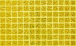Стена плитки золота фото или кирпича высокого разрешения реального безшовных и текстура внутренней предпосылки Стоковые Изображения RF