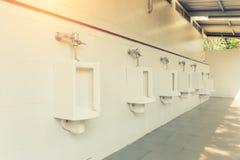 Стена плитки писсуара Стоковые Фотографии RF