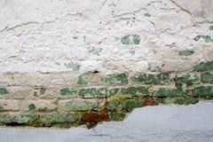 стена разрушенная кирпичом Стоковые Фото