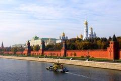 стена реки moskva kremlin Стоковое Изображение
