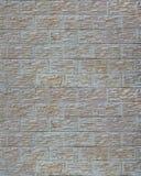 Стена светлых плиток текстуры, стилизованная по внешнему виду как кирпич Один из типов decoratio стены Стоковое фото RF