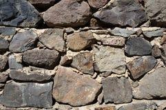 Стена серых больших камней! стоковые фото