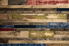 Стена сделанная из пестротканых деревянных доск абстрактная древесина текстуры grunge предпосылки Стоковое Фото