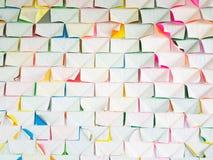Стена с красочной бумагой Стоковая Фотография RF