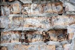 стена сломанная кирпичом стоковое изображение