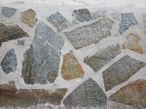 Стена с отделкой камней Стоковая Фотография
