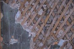 Стена с треснутой предпосылкой краски Стоковые Изображения RF