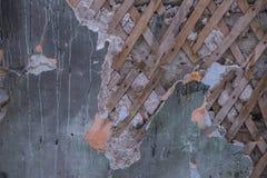 Стена с треснутой предпосылкой краски Стоковая Фотография RF